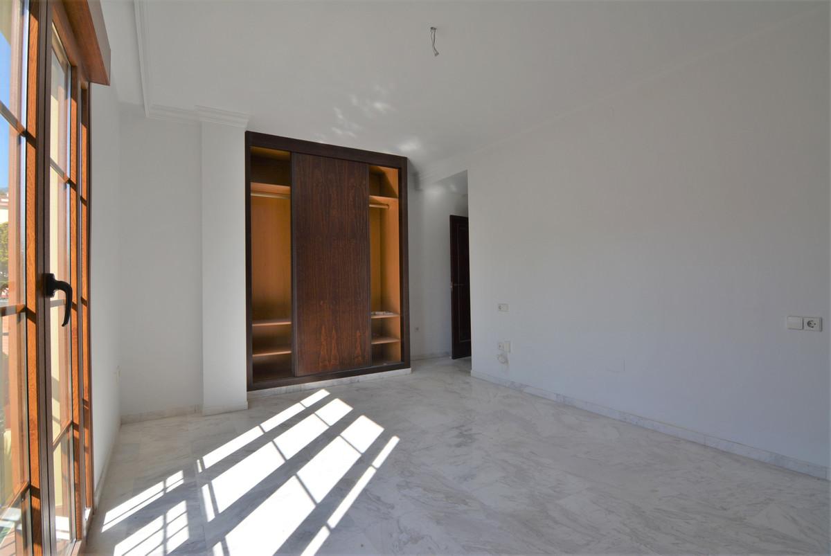 House in Fuengirola R3466369 15