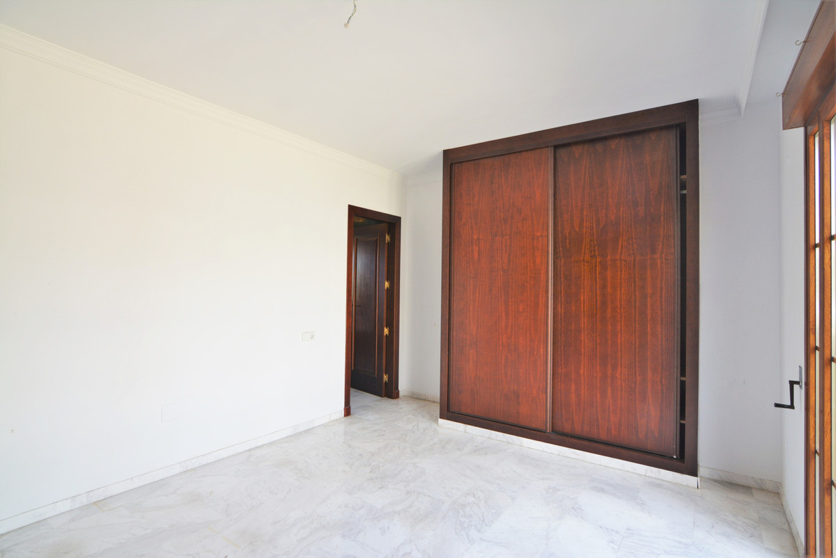 House in Fuengirola R3466369 16