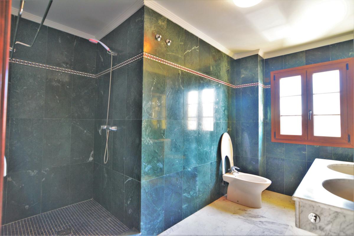 House in Fuengirola R3466369 18