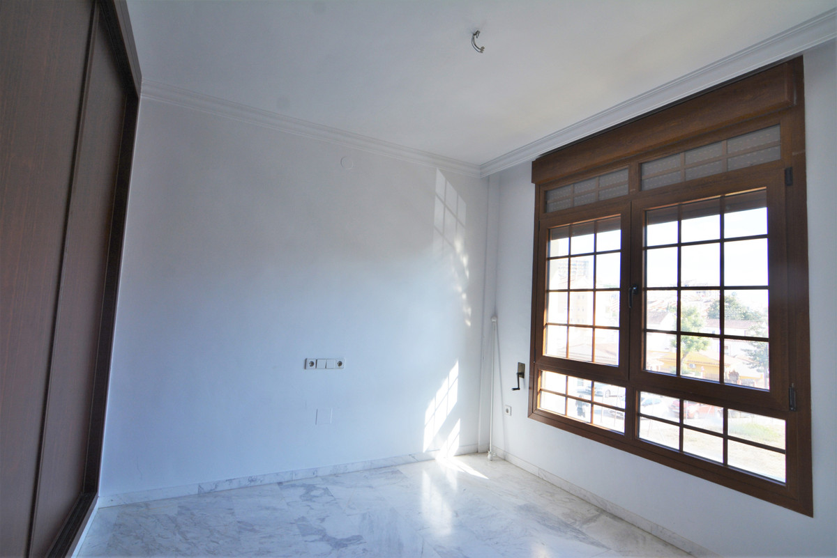 House in Fuengirola R3466369 20