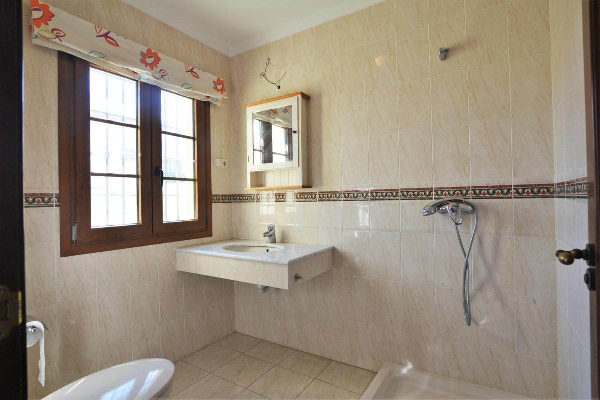 House in Fuengirola R3466369 21
