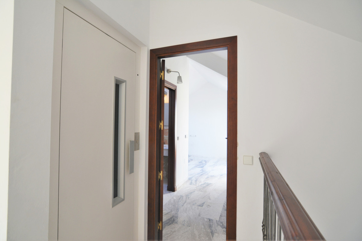 House in Fuengirola R3466369 22