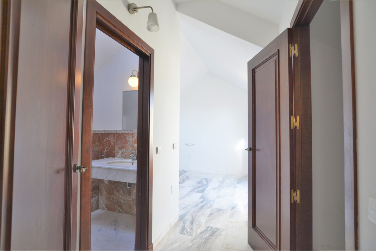 House in Fuengirola R3466369 23