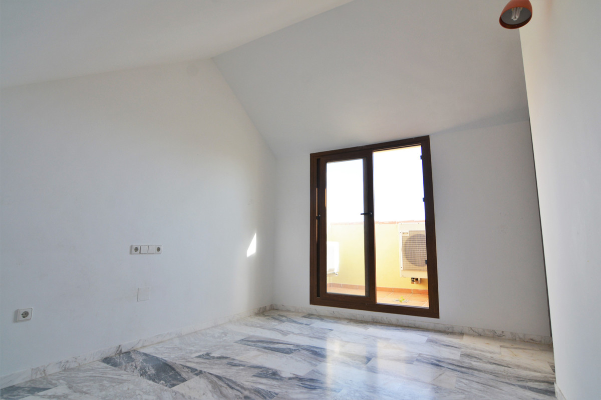 House in Fuengirola R3466369 24