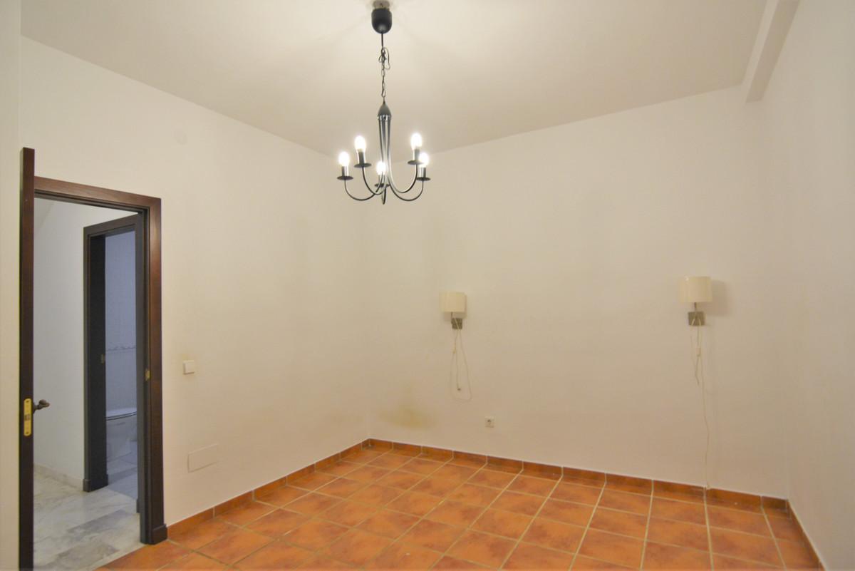 House in Fuengirola R3466369 34