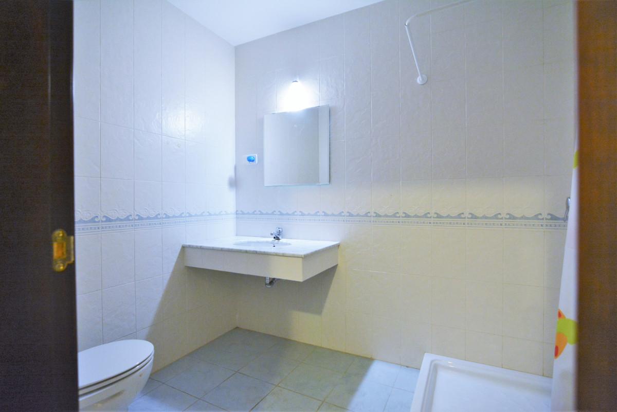 House in Fuengirola R3466369 35