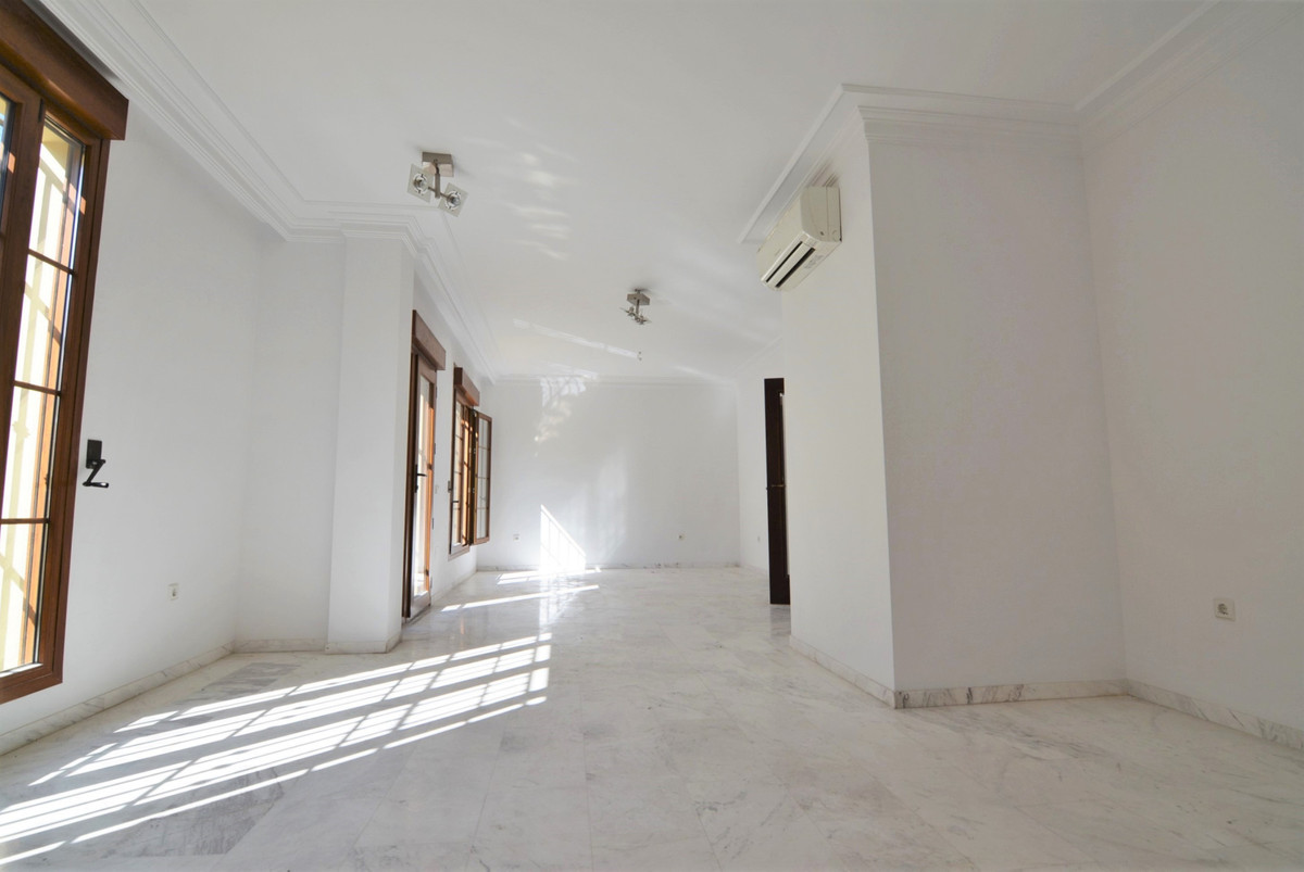 House in Fuengirola R3466369 4
