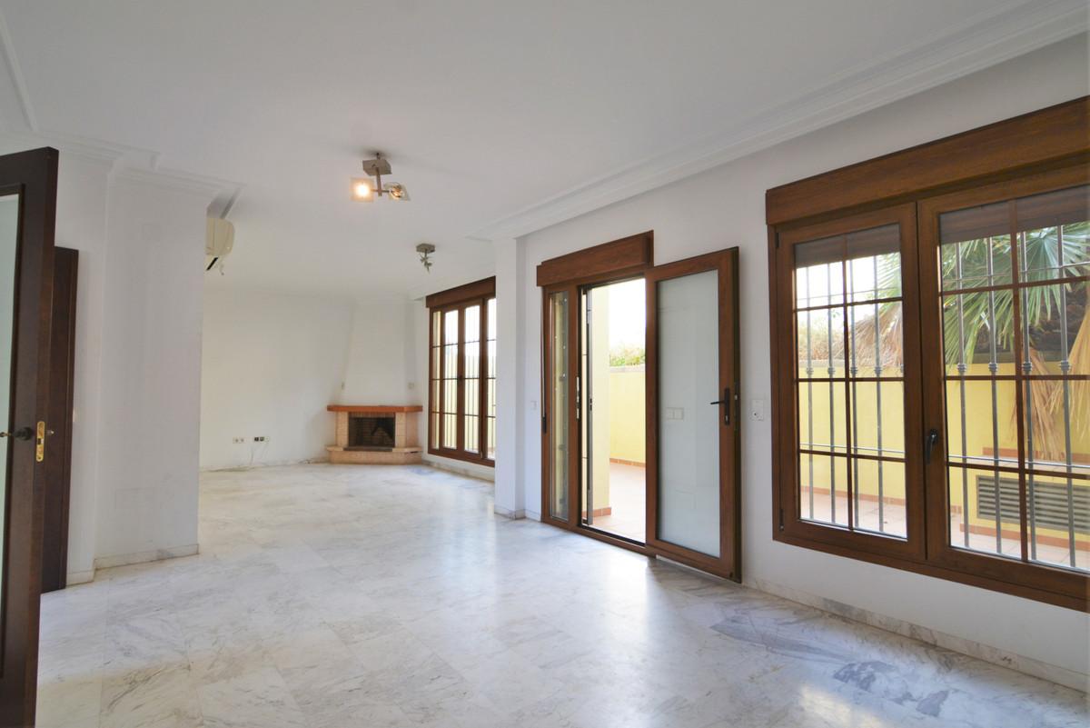 House in Fuengirola R3466369 5
