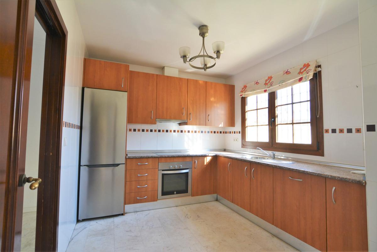 House in Fuengirola R3466369 9