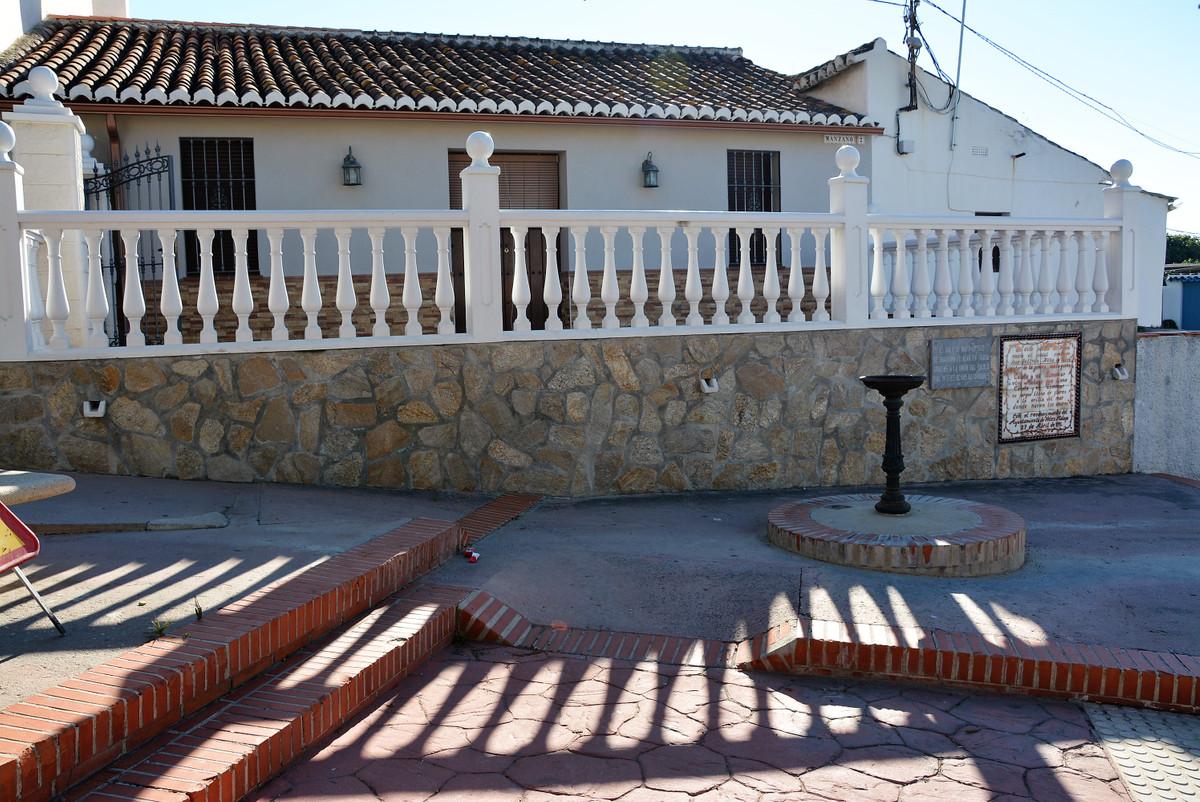 Maison Jumelée  Mitoyenne en vente   à Málaga