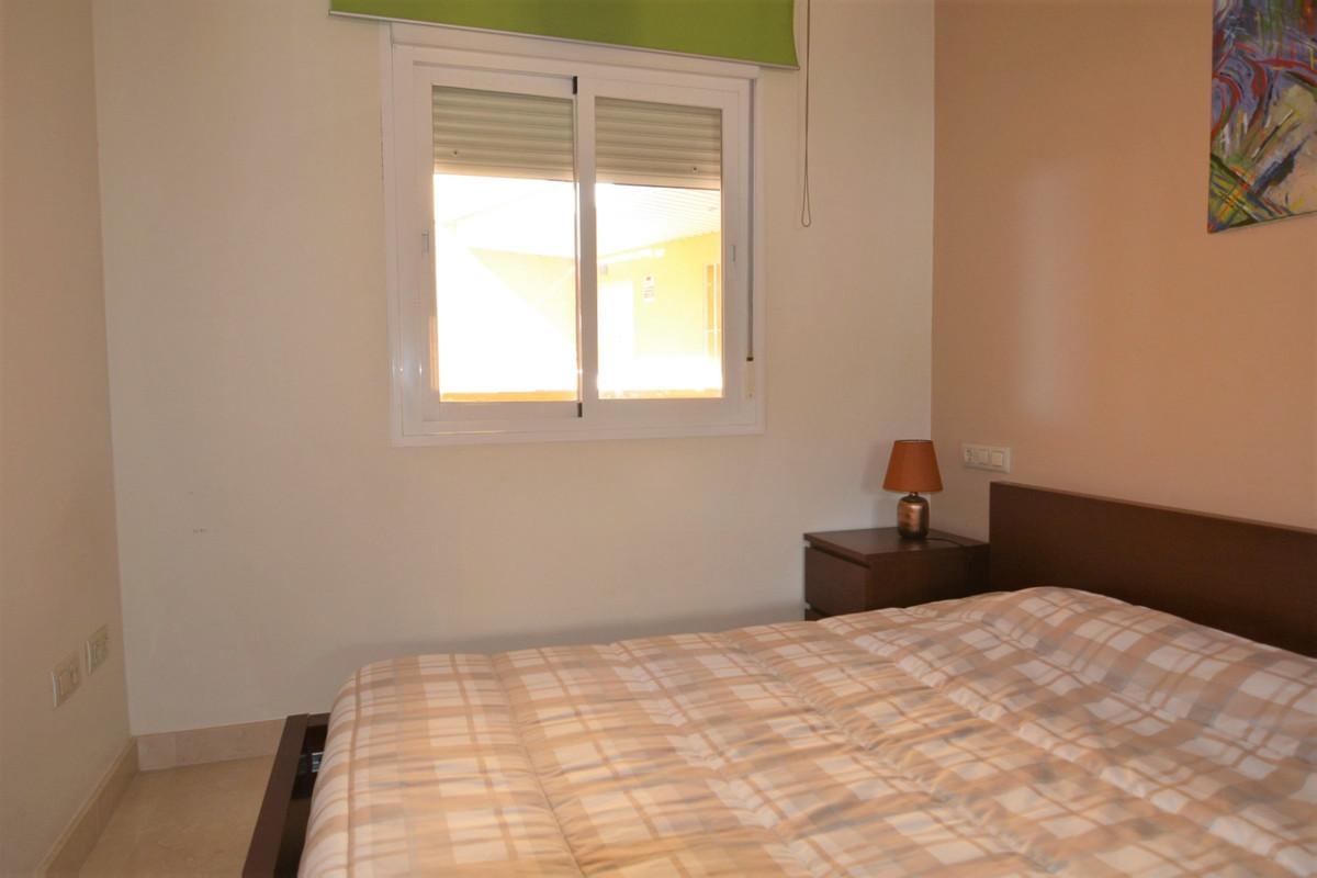 Apartment Middle Floor Fuengirola Málaga Costa del Sol R3369751 10