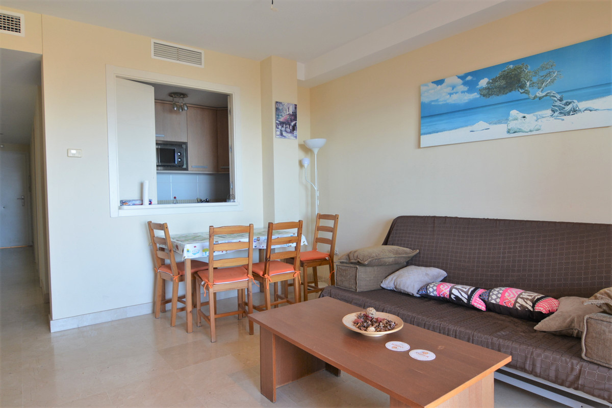 Apartment Middle Floor Fuengirola Málaga Costa del Sol R3369751 6