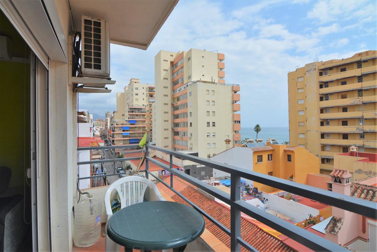 Middle Floor Apartment in Fuengirola R3256783