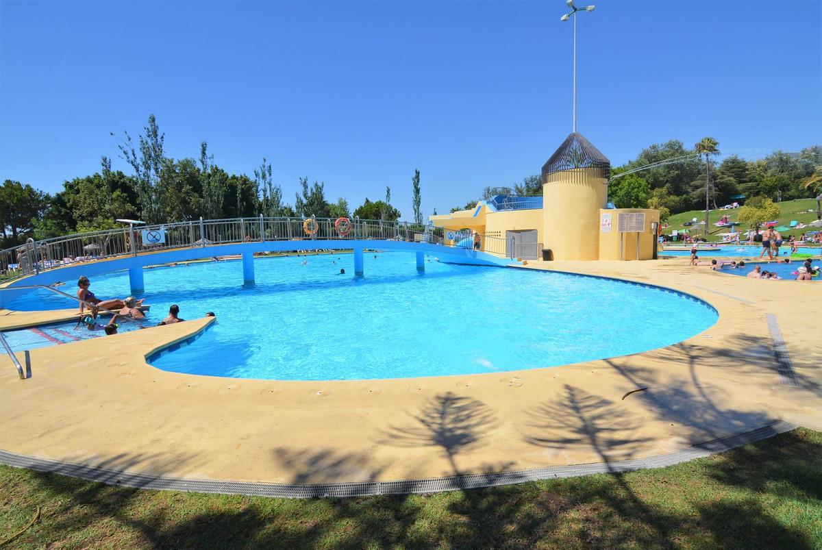 Beautiful studio for sale in Benalmadena.  It has nice common areas, large gardens, children's ,Spain