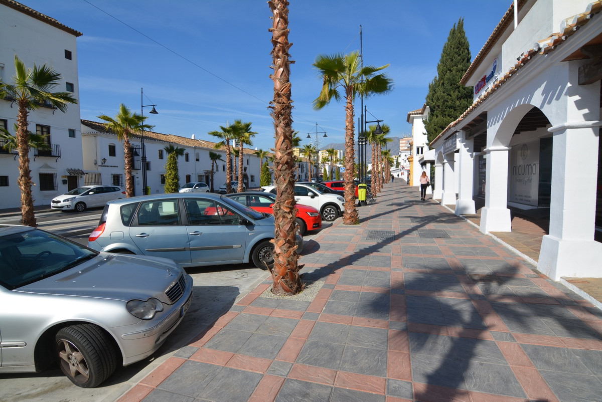 For sale, raw business in the center of Fuengirola. Unbeatable area, ideal to create a new trade or ,Spain