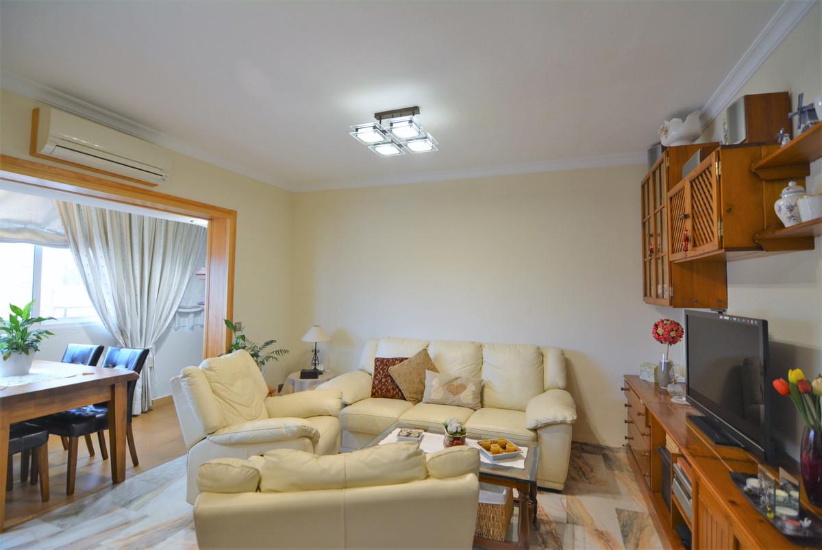 For sale, beautiful apartment in LA PLAZA DE LA HISPANIDAD.  Unbeatable area, ideal for families  Th,Spain