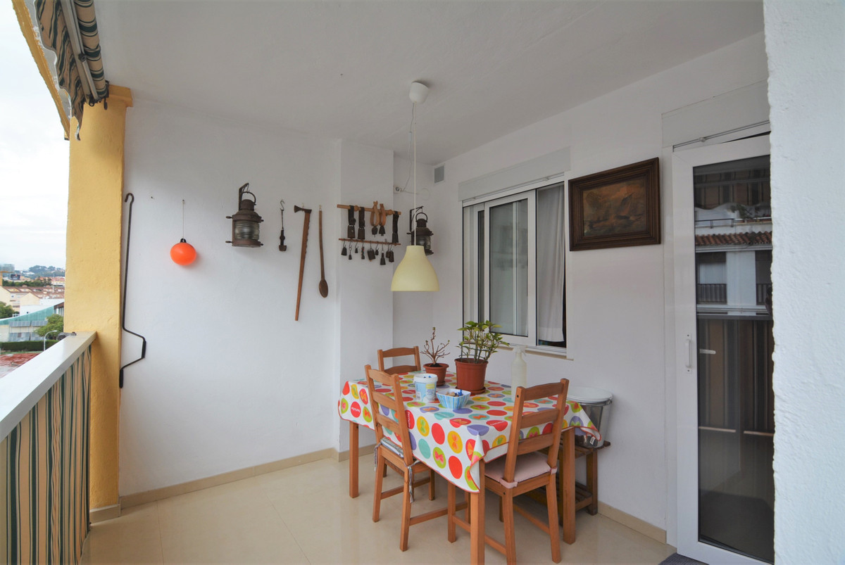Middle Floor Apartment for sale in Fuengirola R3308968