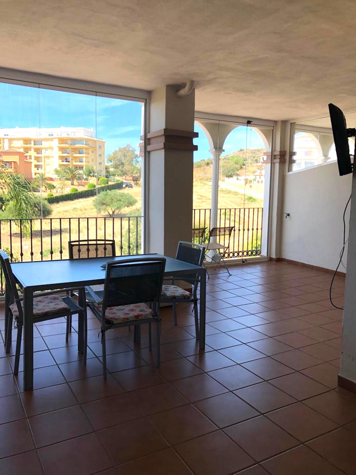 Middle Floor Apartment, La Cala de Mijas, Costa del Sol. 2 Bedrooms, 2 Bathrooms, Built 65 m², Terra,Spain