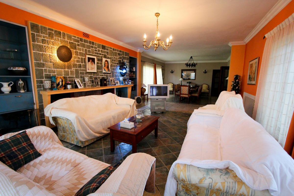 Villa con 7 Dormitorios en Venta El Rosario