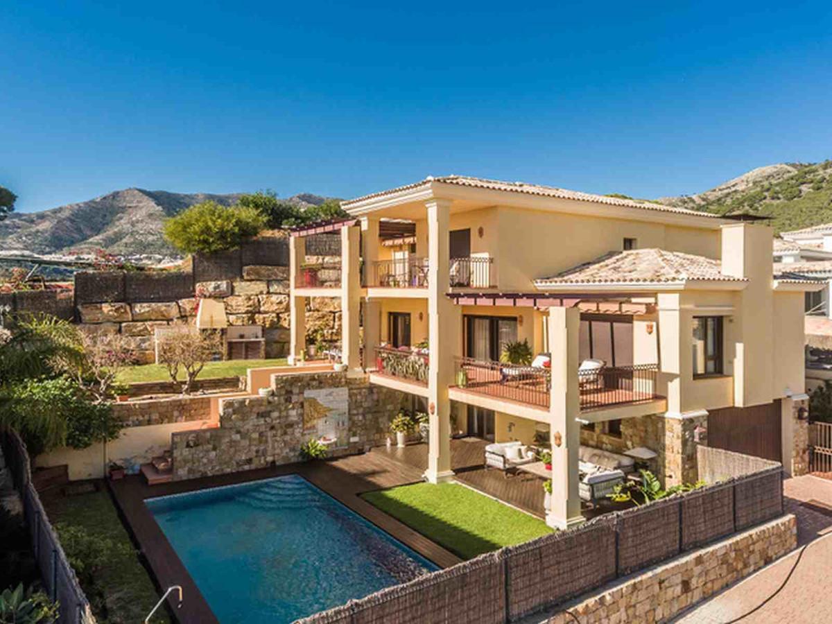 Villa  Detached for rent  in Mijas