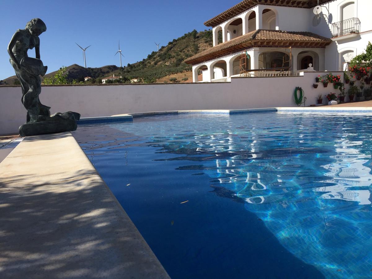 Villa con 3 Dormitorios en Venta Carratraca