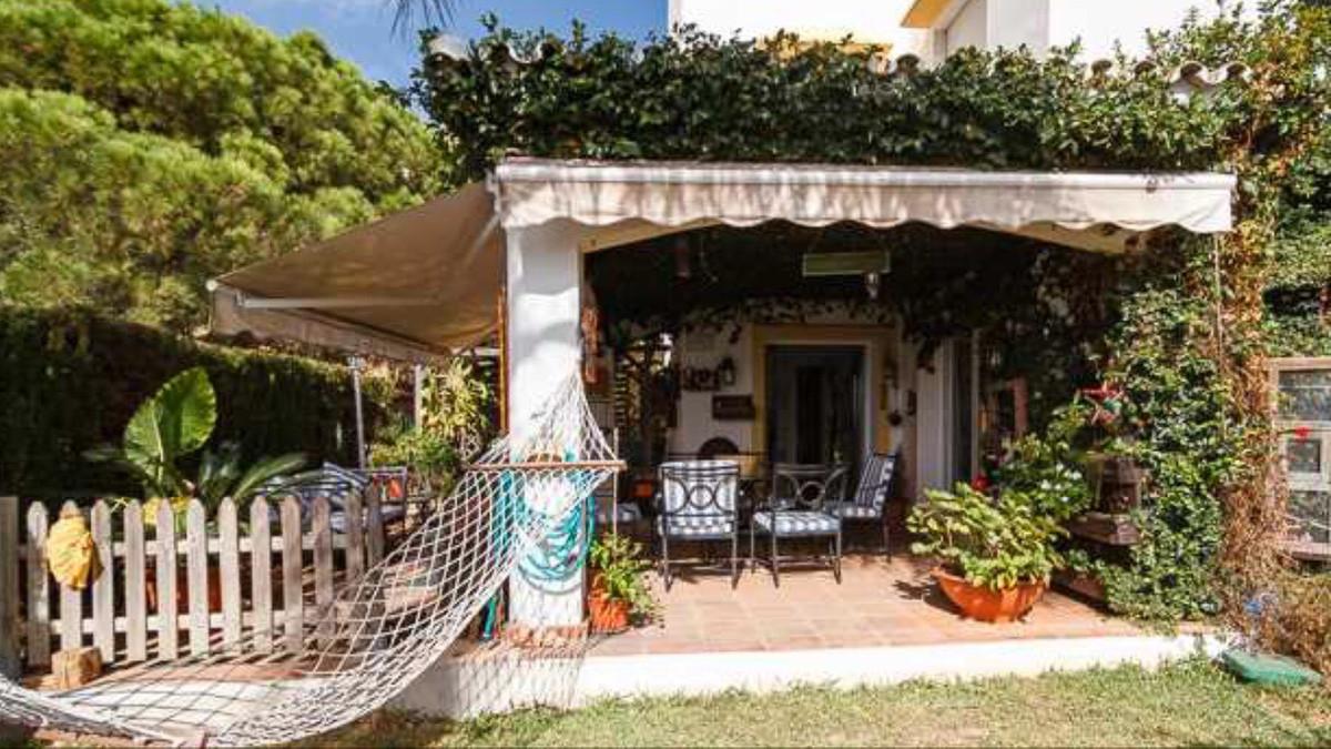 Villa  Semi Individuelle en vente   à Elviria