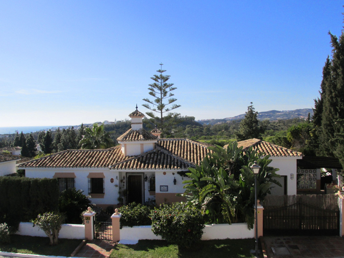 A very nice 4 bedroom and 3 bathroom villa, set in and among El Chaparral Golf course, very well pos,Spain
