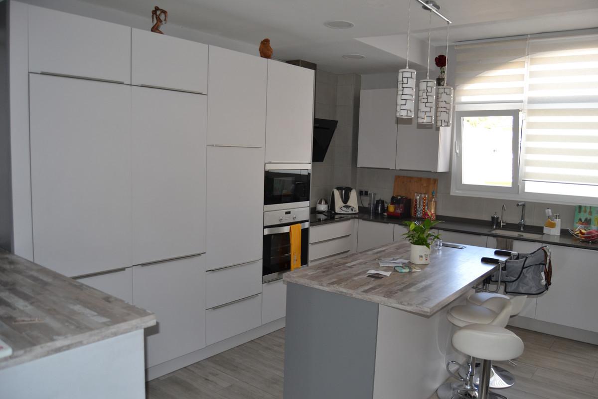 House in Calahonda R3265675 12