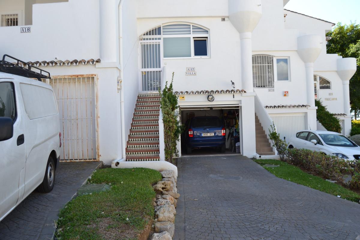House in Calahonda R3265675 52