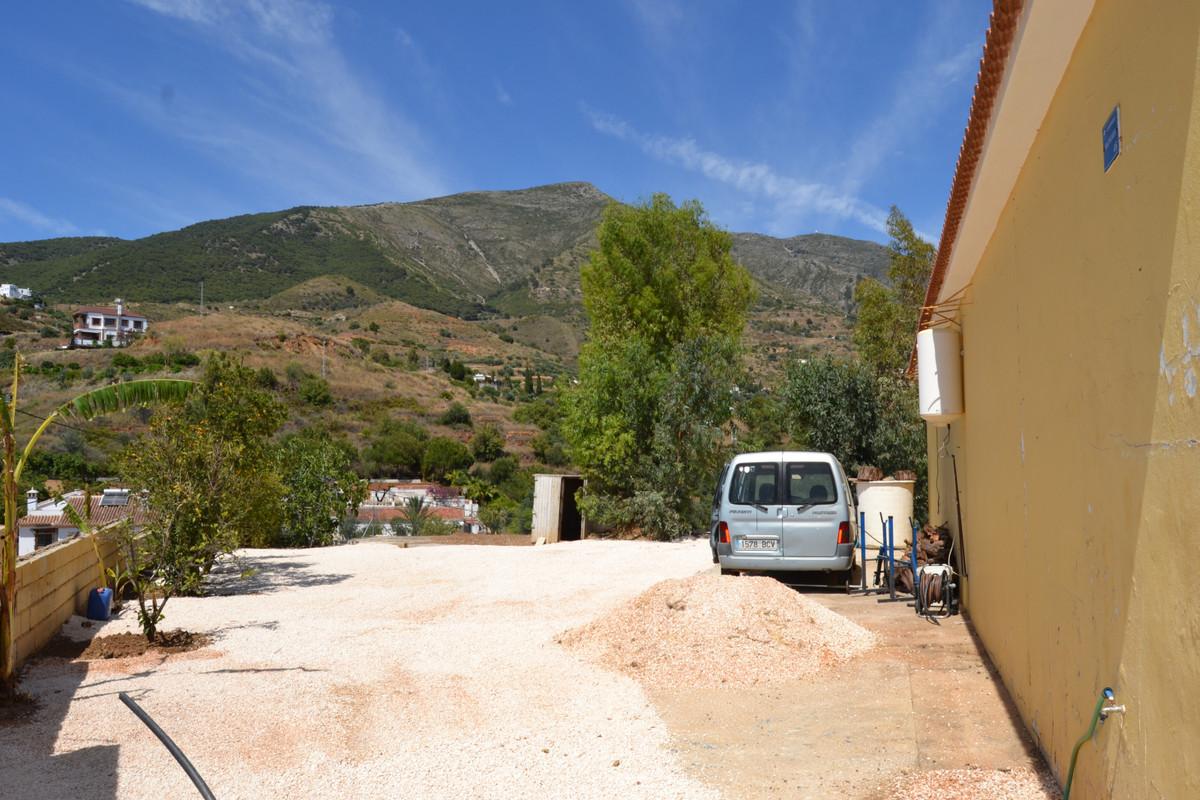 House in Valtocado R3433558 5