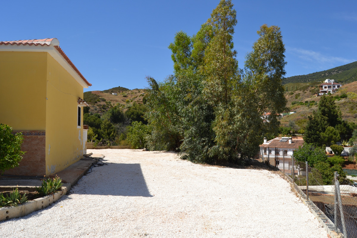 House in Valtocado R3433558 6