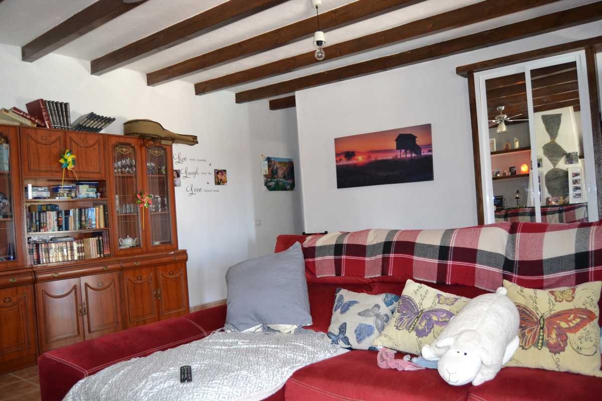 House in Valtocado R3433558 9