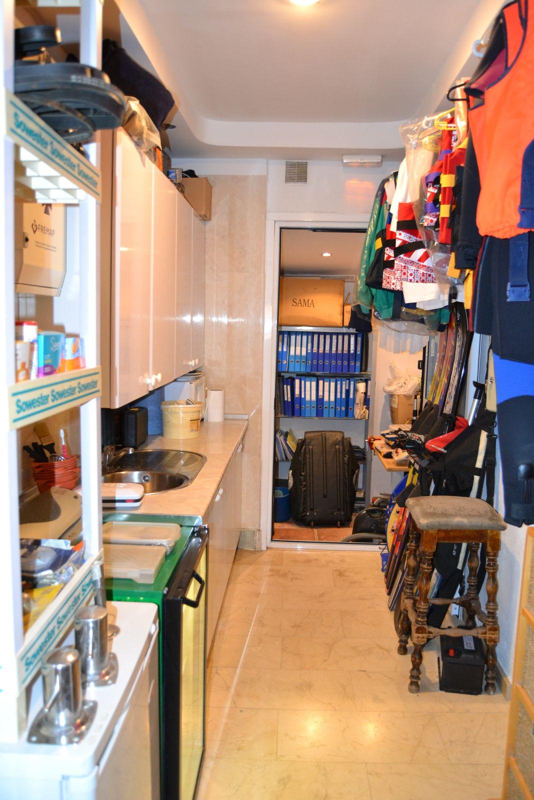 Commercieel te koop in Cabopino R3323626