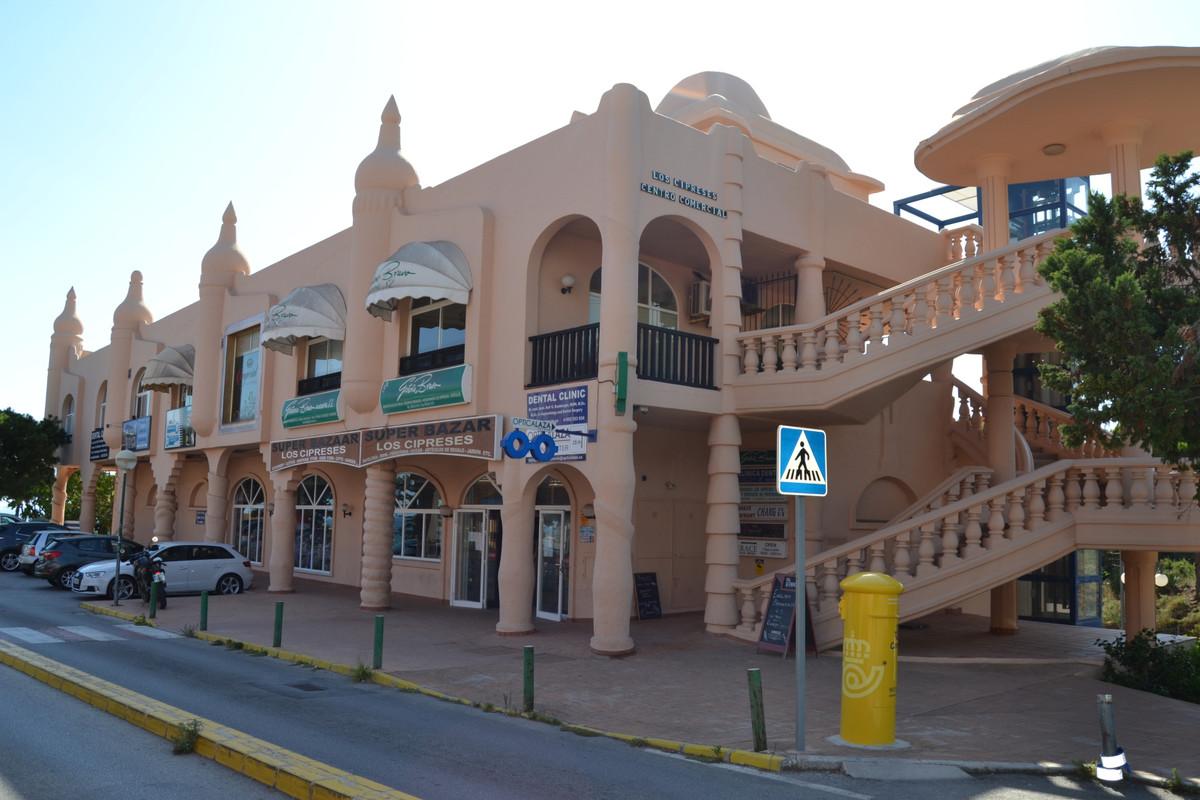 Commerce, Bureau  en vente    à Calahonda