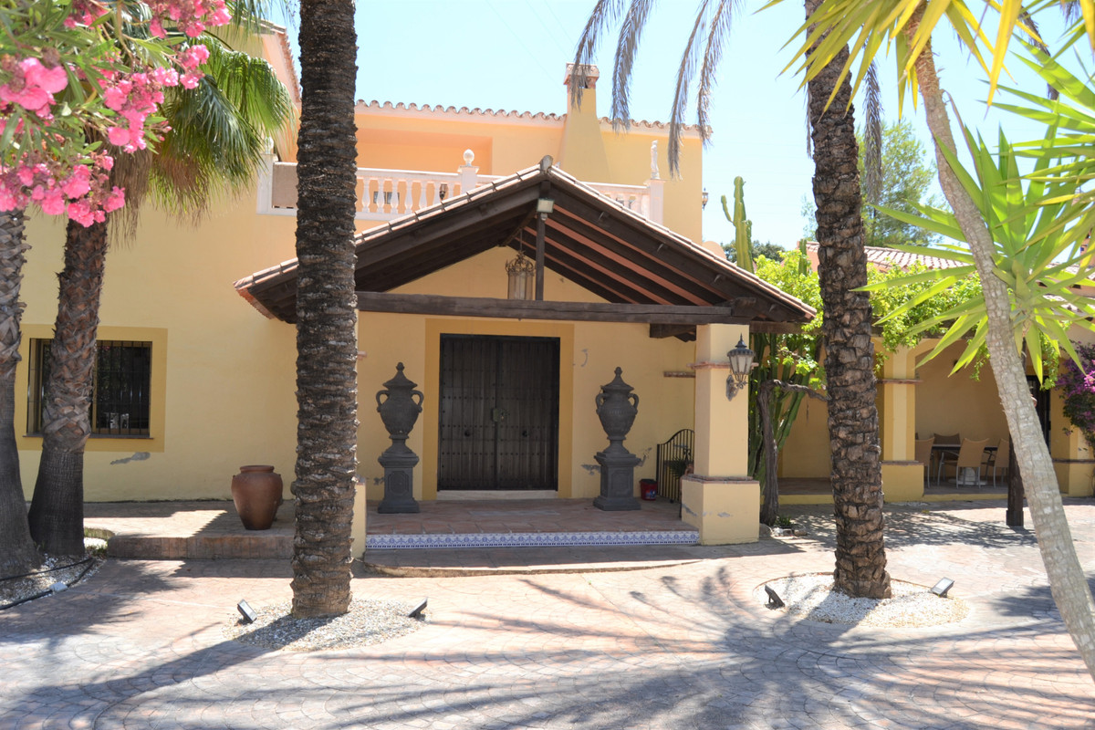 A Fantastic villa on the out skirts of Coin, only 15 minutes to the coast, 5 Min to Coin and La Troc,Spain