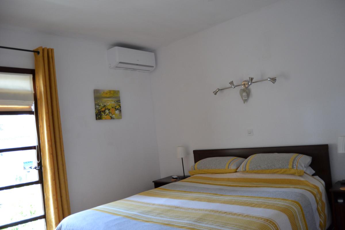 Unifamiliar con 4 Dormitorios en Venta El Coto