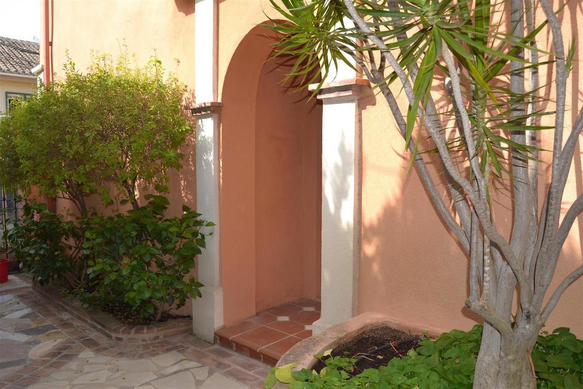 Unifamiliar 5 Dormitorios en Venta El Coto
