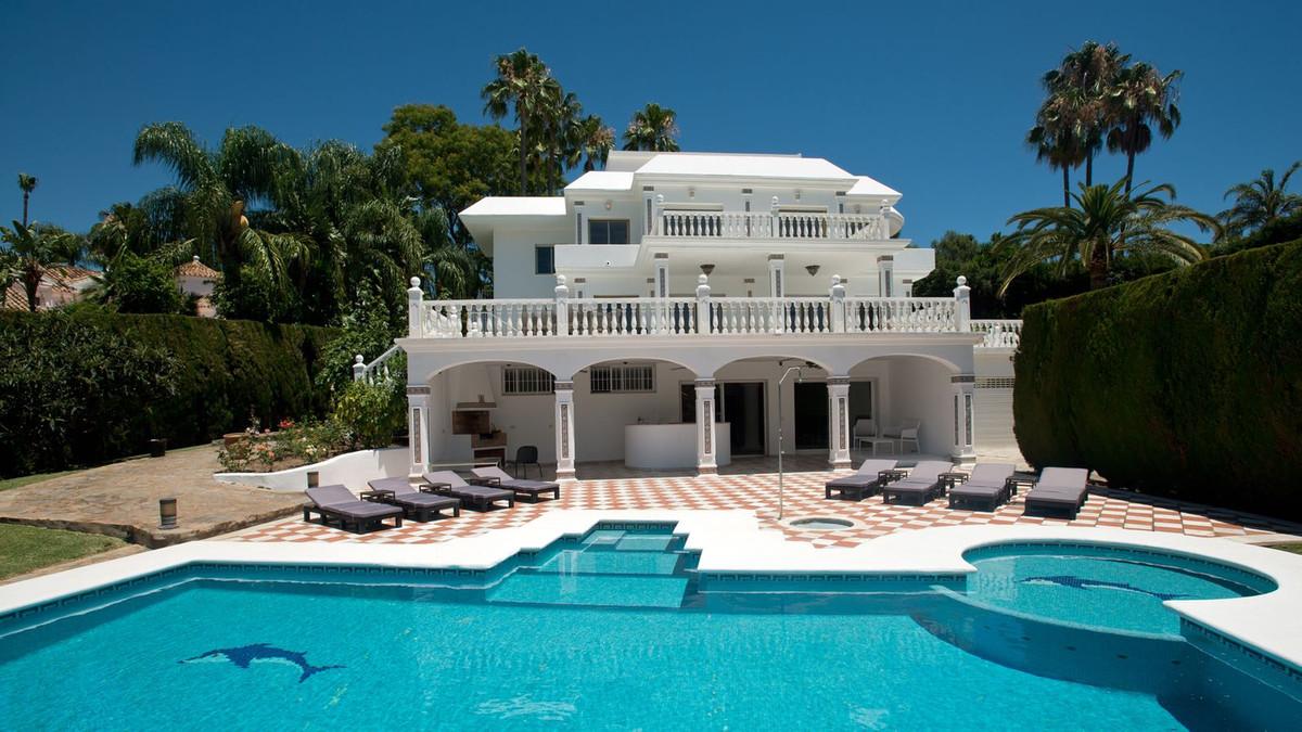 Villa Till salu i Las Brisas R3080887
