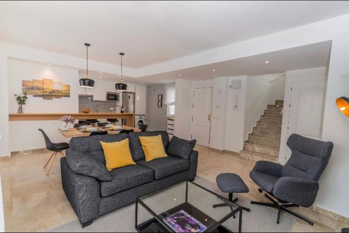 Apartamento  Ático en venta  y en alquiler   en Nueva Andalucía