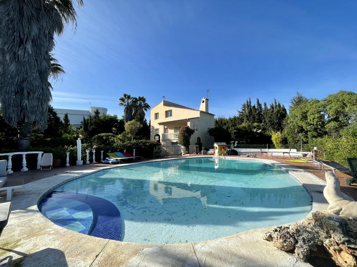 6 bedroom villa for sale new golden mile