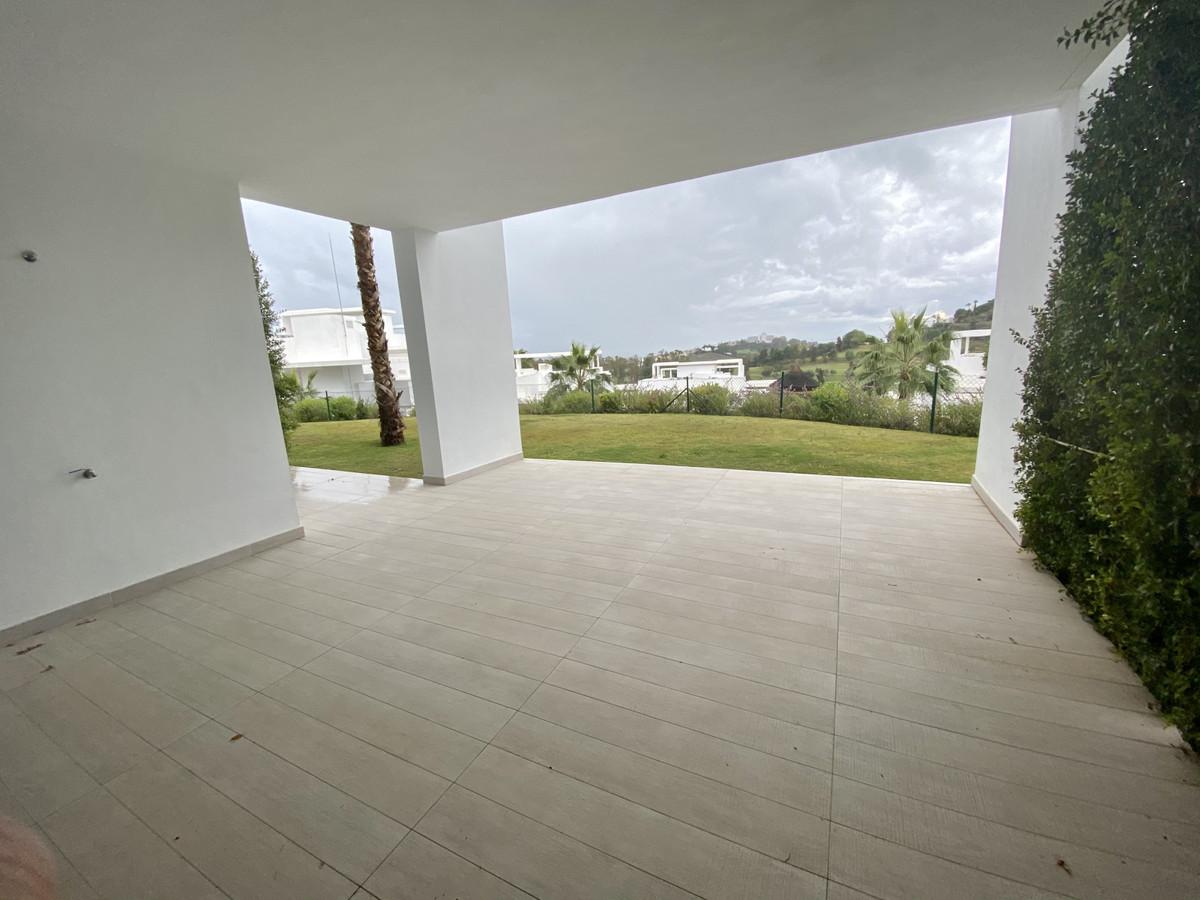 Apartamento Planta Baja en Atalaya, Costa del Sol