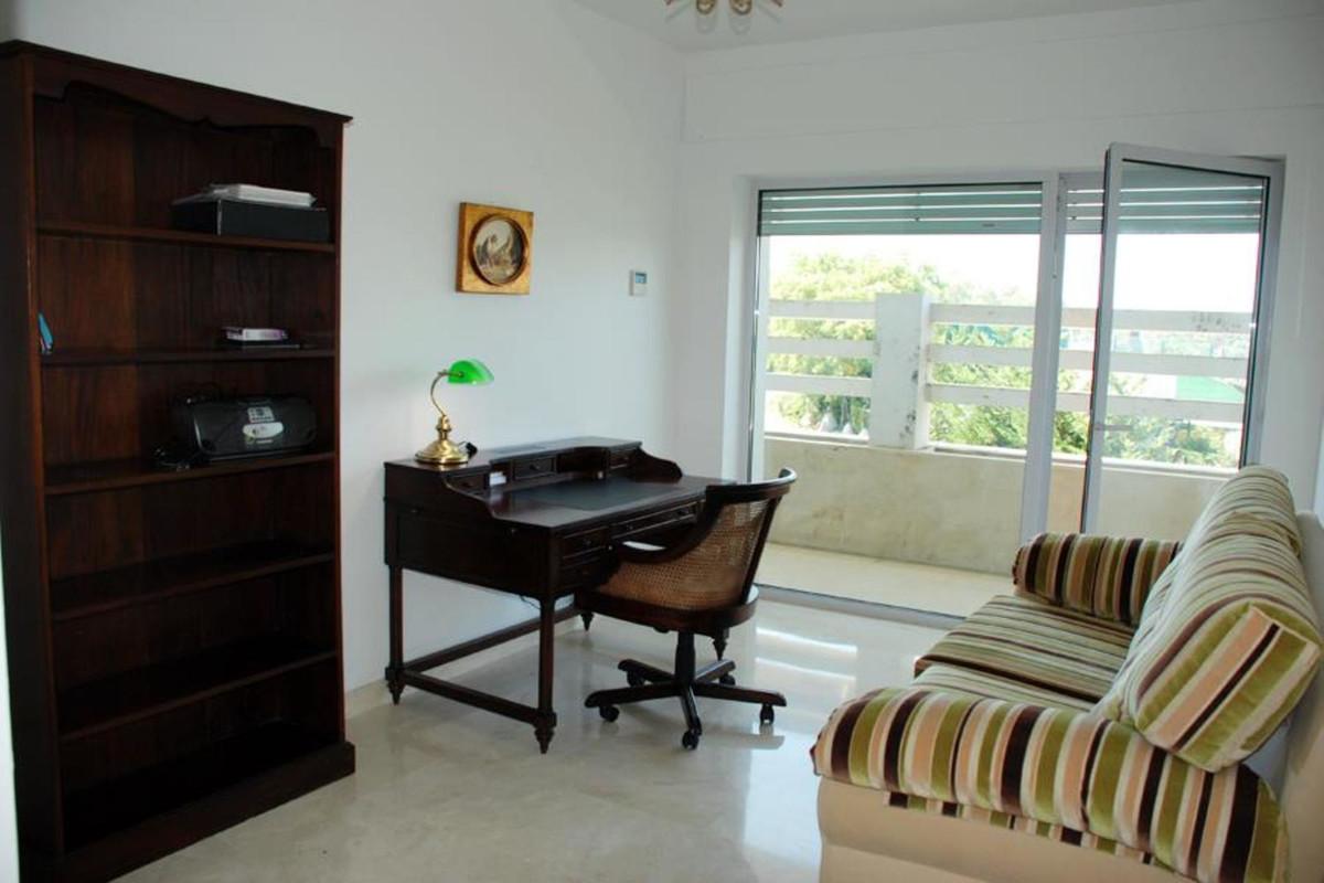 Apartamento con 4 Dormitorios en Venta Sotogrande Costa