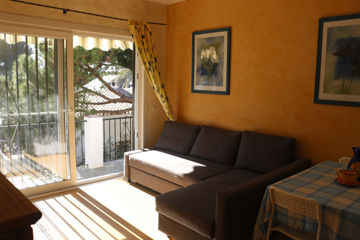 Bright apartment for sale in Sitio de Calahoda, a few steps from the Los Jarales shopping center, wi,Spain