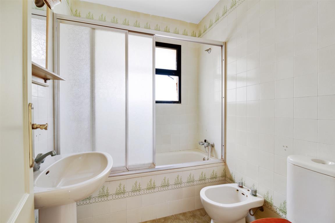 Apartment Middle Floor Torrenueva Málaga Costa del Sol R3688766 6
