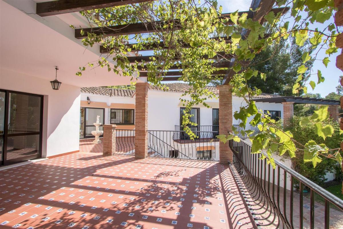 Villa con 5 Dormitorios en Venta Mijas