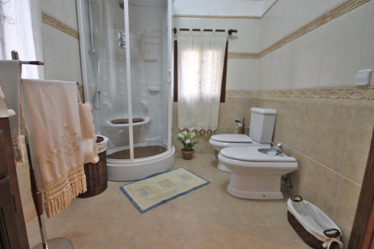 Hus in Alhaurín de la Torre R3811222 27