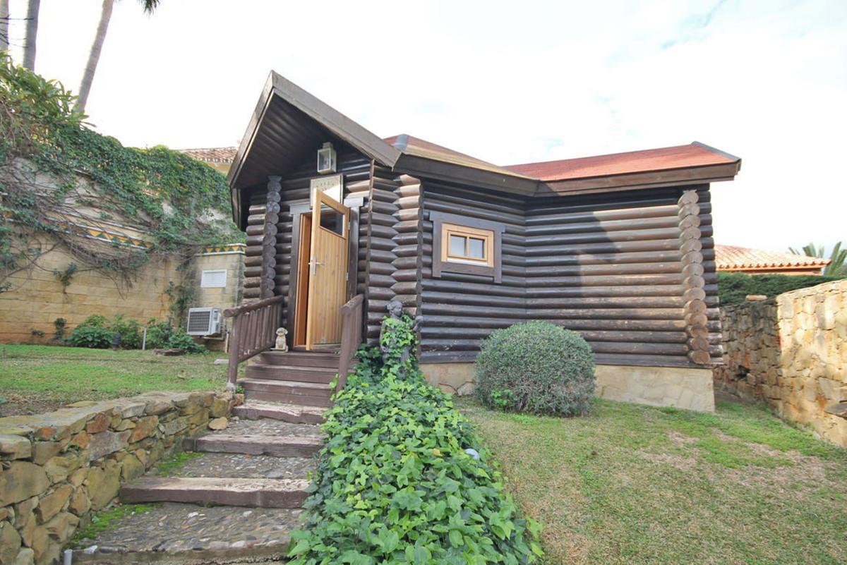 House in Alhaurín de la Torre R3811222 44