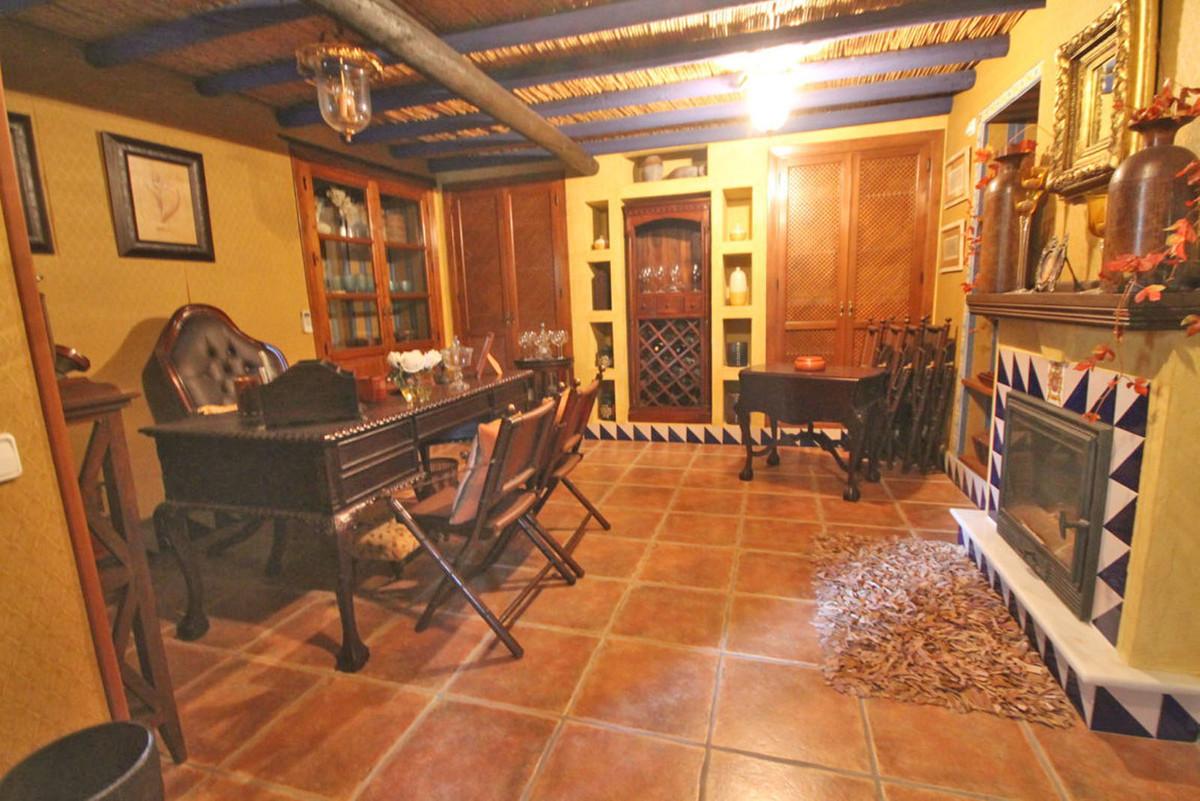 House in Alhaurín de la Torre R3811222 48