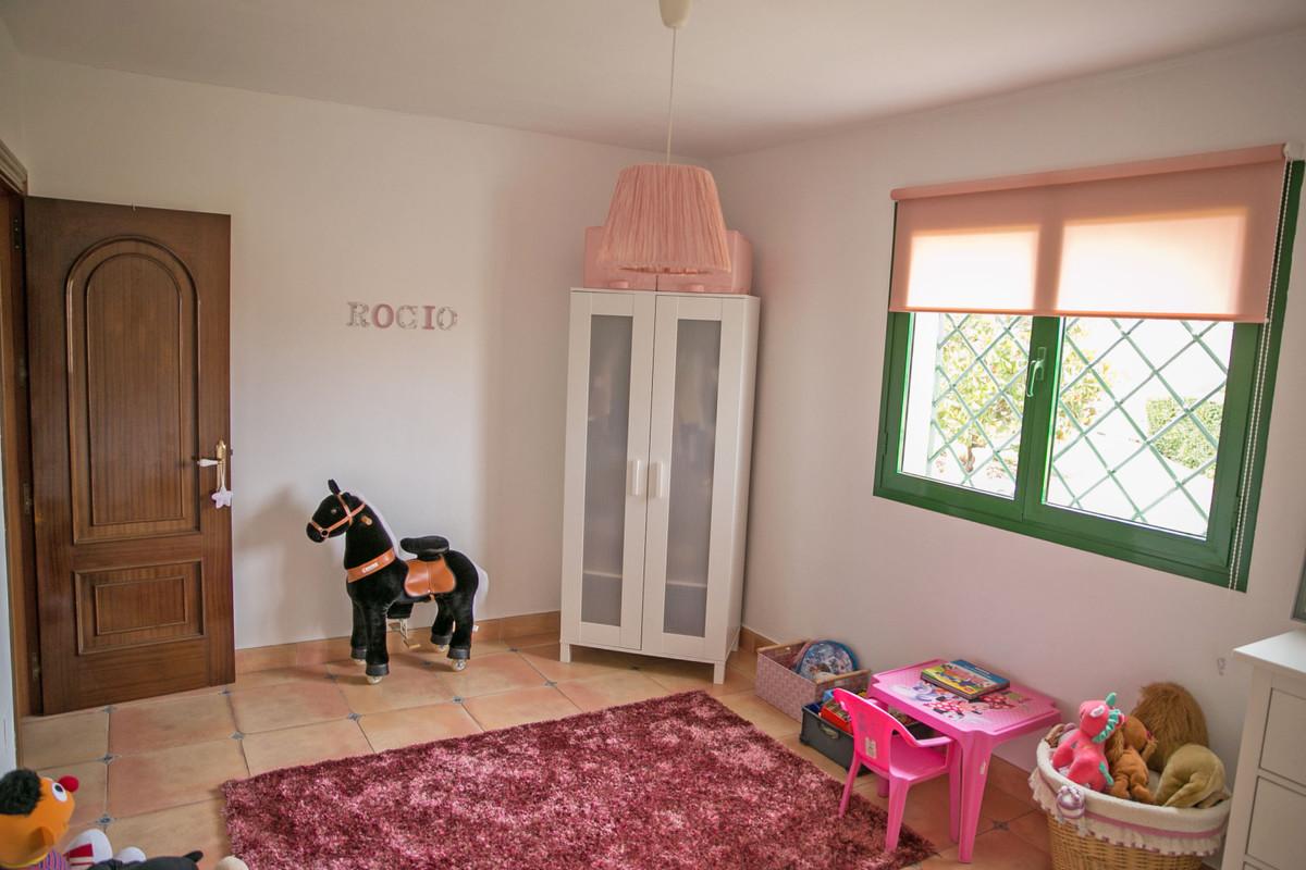 Hus in Alhaurín de la Torre R3811222 58