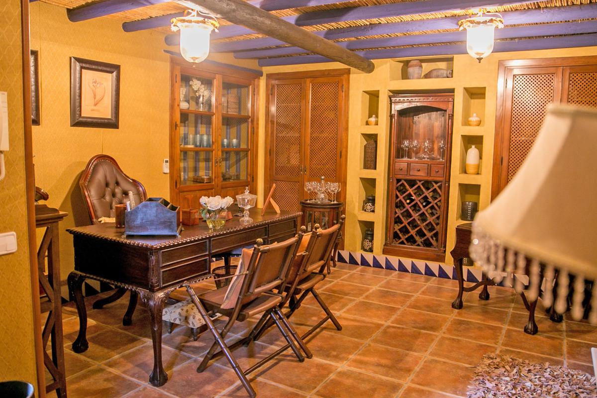 Hus in Alhaurín de la Torre R3811222 74